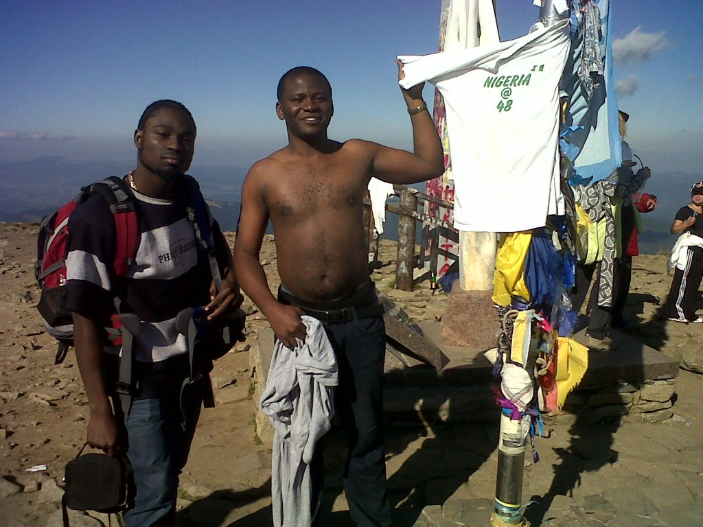 http://www.jaguda.com/wp-content/uploads/2011/09/1st-Nigerian-on-the-highest-mountain-3-1024x768.jpg