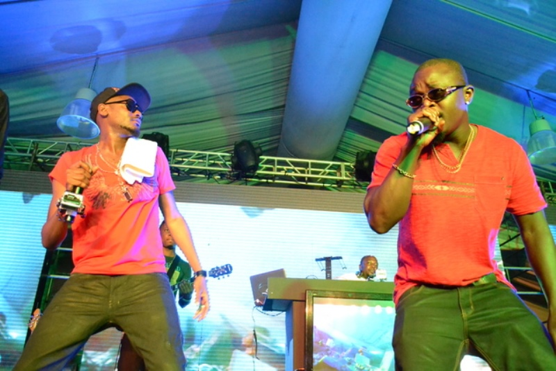 2FACE & ROCKSTEADY ON STAGE