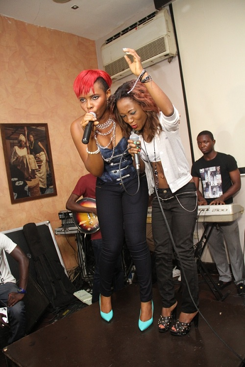 Yemi Alade and Ms. Iye performing 'Don't You Worry'