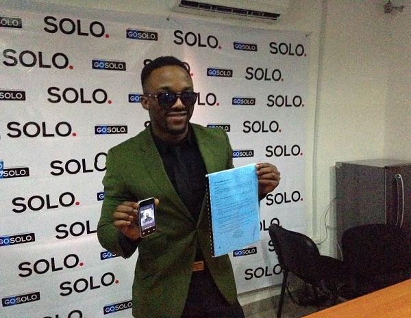 Iyanya & Solo Phones 5