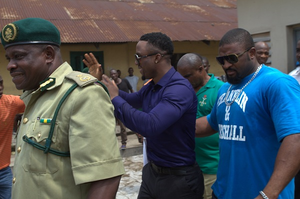 Iyanya exiting (2)