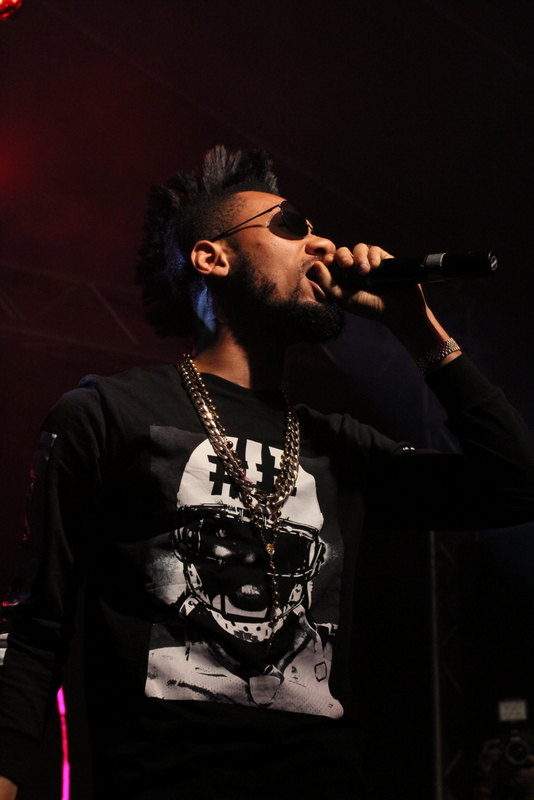 Phyno on Stage0