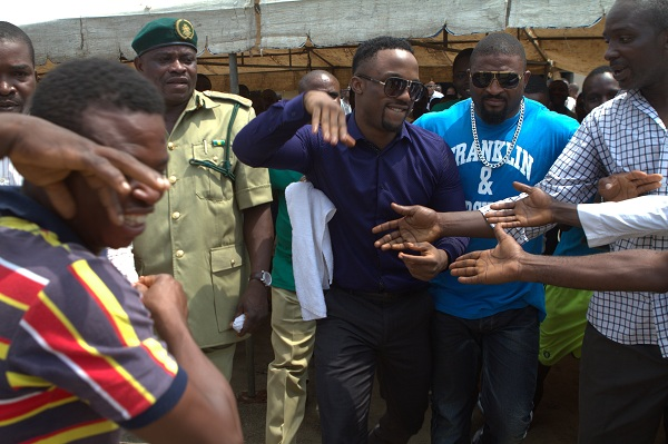 iyanya exiting the prison