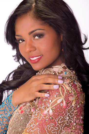 Miss-Universe-Miss-Angola-October-2013-Jaguda2