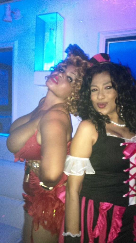 cossy-costume-party-3