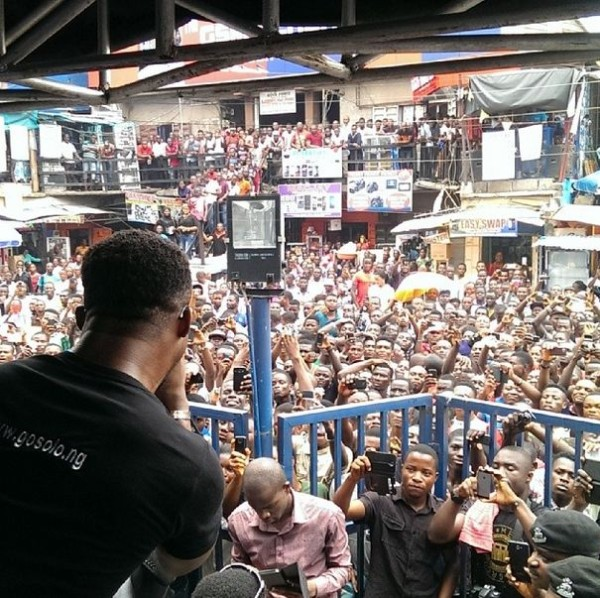 Iyanya-Solo-Phone-Ambassador-March-2014-BellaNaija-01-600x598