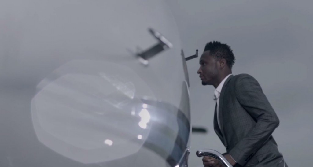 Mikel getting into a plane 2