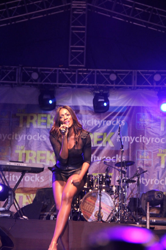Tiwa on stage