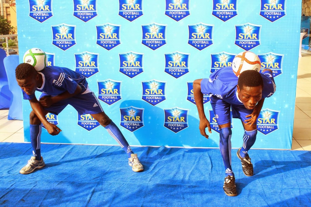 FOOTBALLERS ON THE BLUE CARPET 5-1