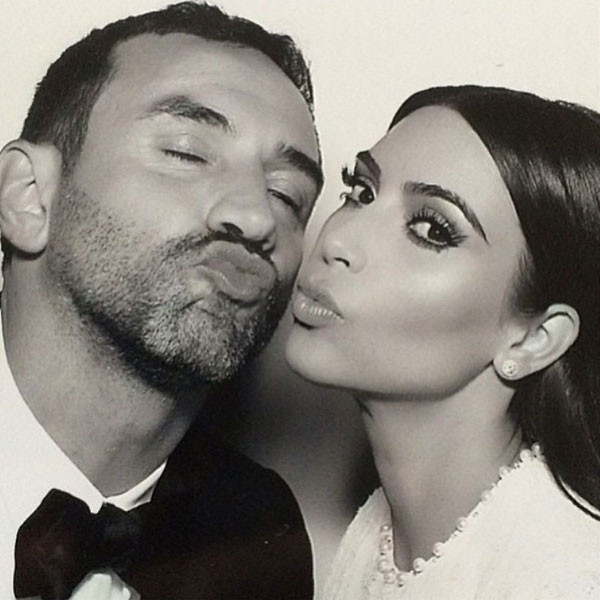 rs_600x600-140526061458-600-Kimye-Wedding-Instagram-JR1-52614